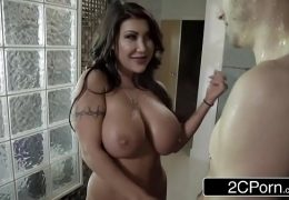 Bored Wife August Taylor Gets Pounded In The Shower